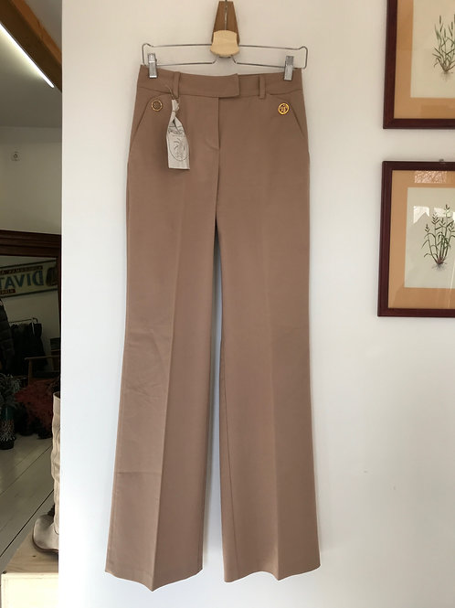 InTrend Pants with golden buttons