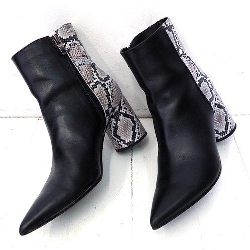 BALDOWSKI Croc Leather Ankleboots