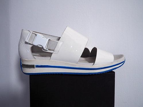 MIISTA Pantent Leather Sandal