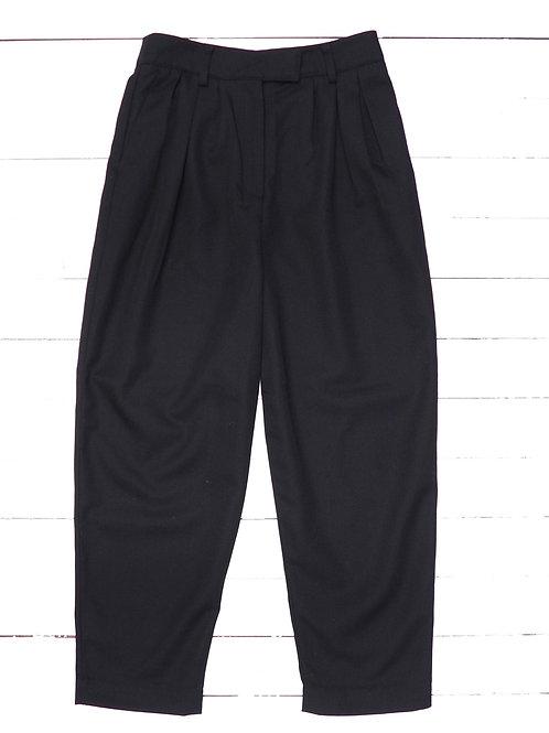 H&M Black Pleated Carrot Pants
