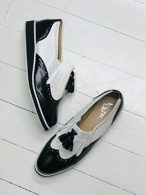 Contrast Oxford Style Loafer