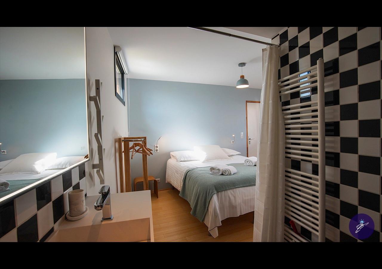 Cap Coco  chambre 2 salle de bain.jpg