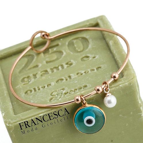 Fb8468 Λεπτή ατσάλινη χειροπέδα με γαλάζιο μάτι,και charms