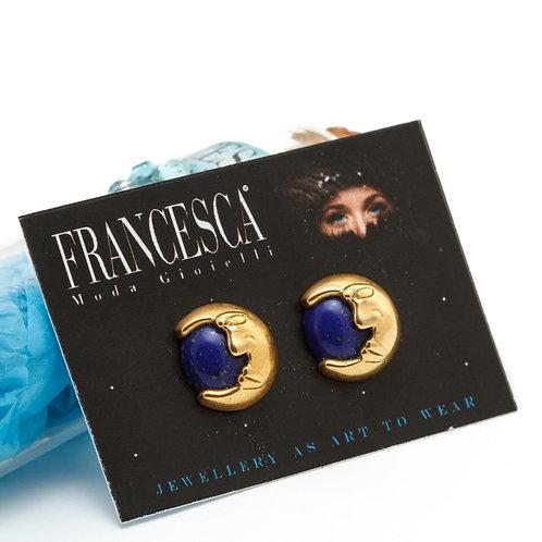 Fe7996 Τρυπητά σκουλαρίκια με μπλέ πέτρα και μισοφέγγαρο.