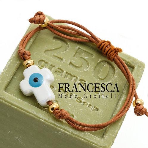 Fb8403 Χειροποίητο βραχιόλι,με κεραμεικό Σταυρό και macrame.