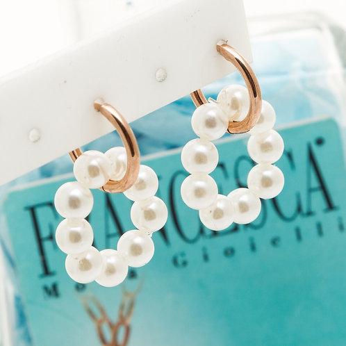 Fe7617 Αριστοκρατικά σκουλαρίκια με κρίκο και περλίτσες σε κυκλικό σχέδιο.