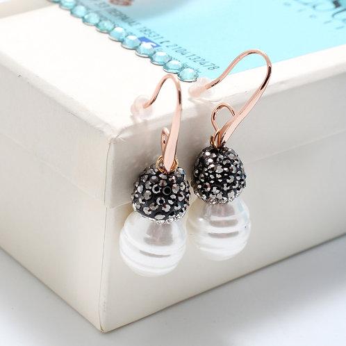 Fe7539 pearl style! Σκουλαρίκια πέρλες σε σχήμα δάκρυ, με λεπτά κρυσταλλάκια
