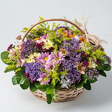 Cesta class com flores do campo