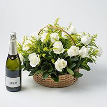 Cesta com 20 rosas brancas e espumante