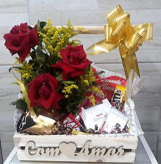 Cesta COM AMOR de chocolates e flores