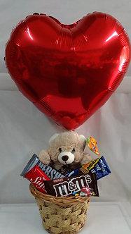 Cesta Te Amo com ursinho,chocolates e balão