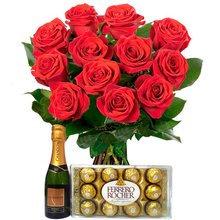 Buque 12 rosas vermelhas com Ferrero 8 e Chandon baby 187