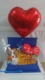 Café da manhã na caixa com balão