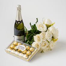 Buque de 16 rosas brancas,chocolates e espumante