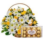 Cesta Class com rosas Amarelas,Margaridas com chocolates