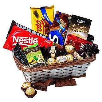 Cesta encanto de chocolates PRA VOCÊ !