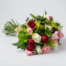 Buque de 24 rosas mistas