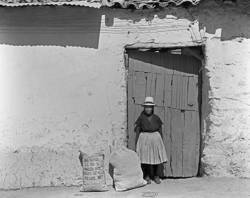Woman&Sacks Ecuador.jpg