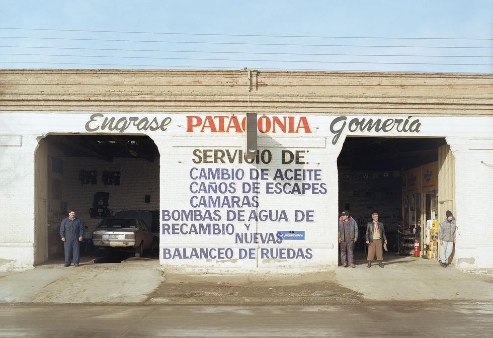 Garage Patagonia.jpg