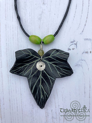 Black and Green Ivy Necklace