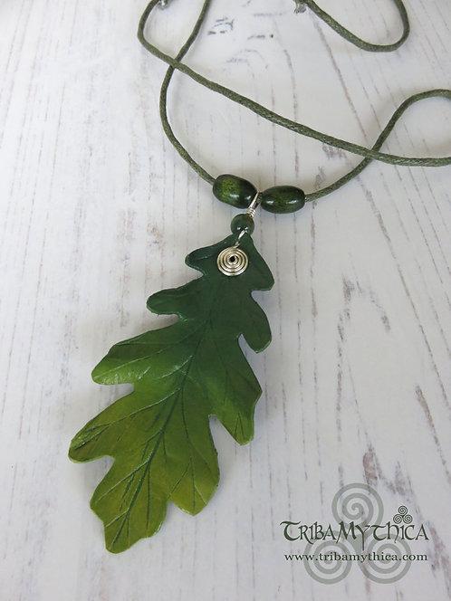 Small Green Oak Leaf Necklace - Silver