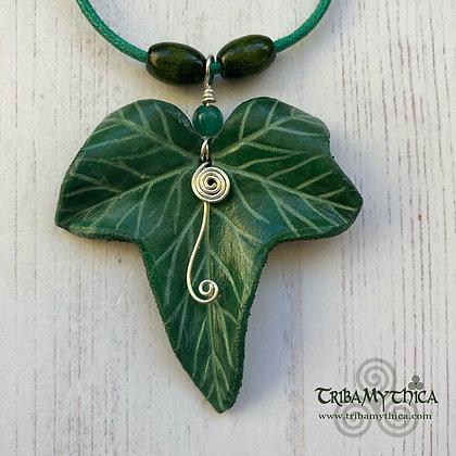 Ivy Leaf Necklace - Dark Green