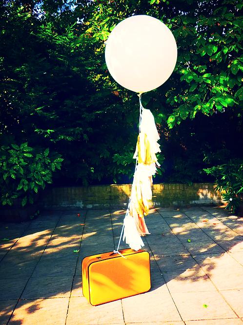 2 x 3ft balloon & 1.2m  tassel garland