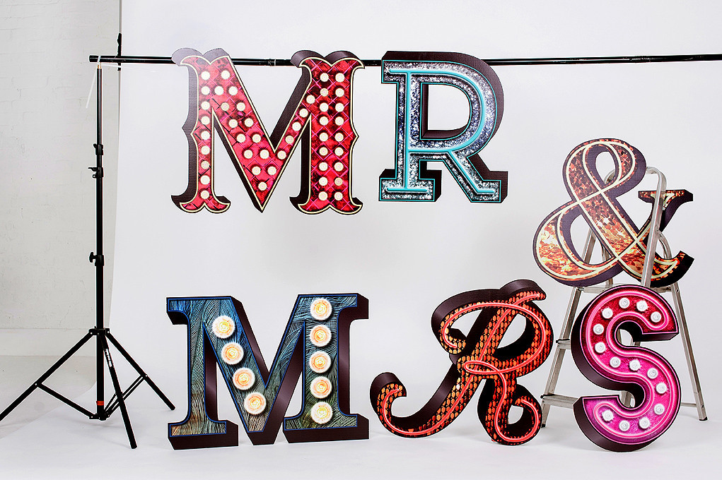 THEATRICAL MR MRS