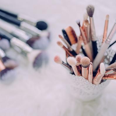 Makeup Brushes.png
