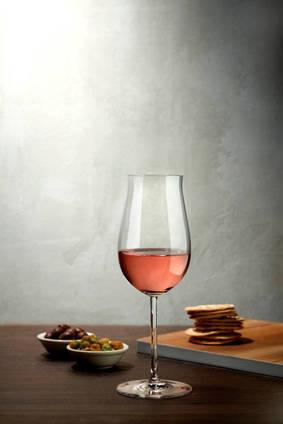Lifestyle - Vintage Rose Wine Glass - 66