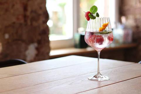 N_Image_GinTonic_@we_love_cocktails_3.jp