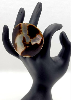 Black and White Shell Ring