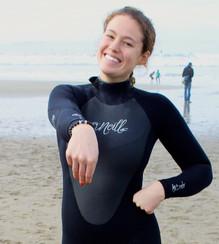 Surfer Girls LOVE Reef Life
