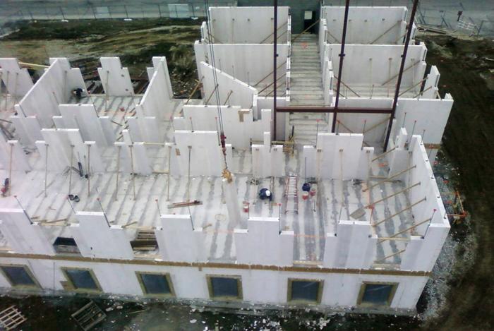 Cellular Walls Hotel Housing