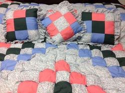 Quilt & Pillows