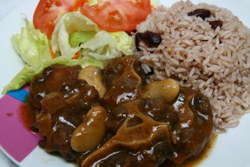 Oxtail with peas & rice