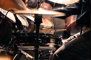 artist-bass-close-up-542553.jpg