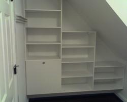 Wall-hung storage