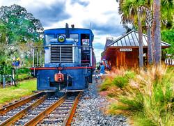 Diesel Leaving Tavares Station