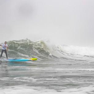 Annie-Reickert-surf.jpg