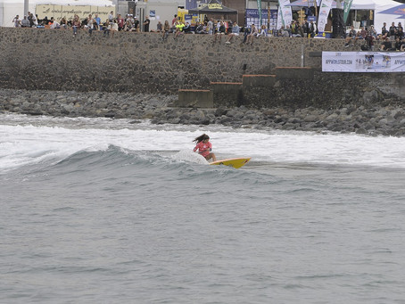 FRIDAY'S BUILDING SWELL WILL SEE REPECHAGE HEATS IN THE WATER 8AM