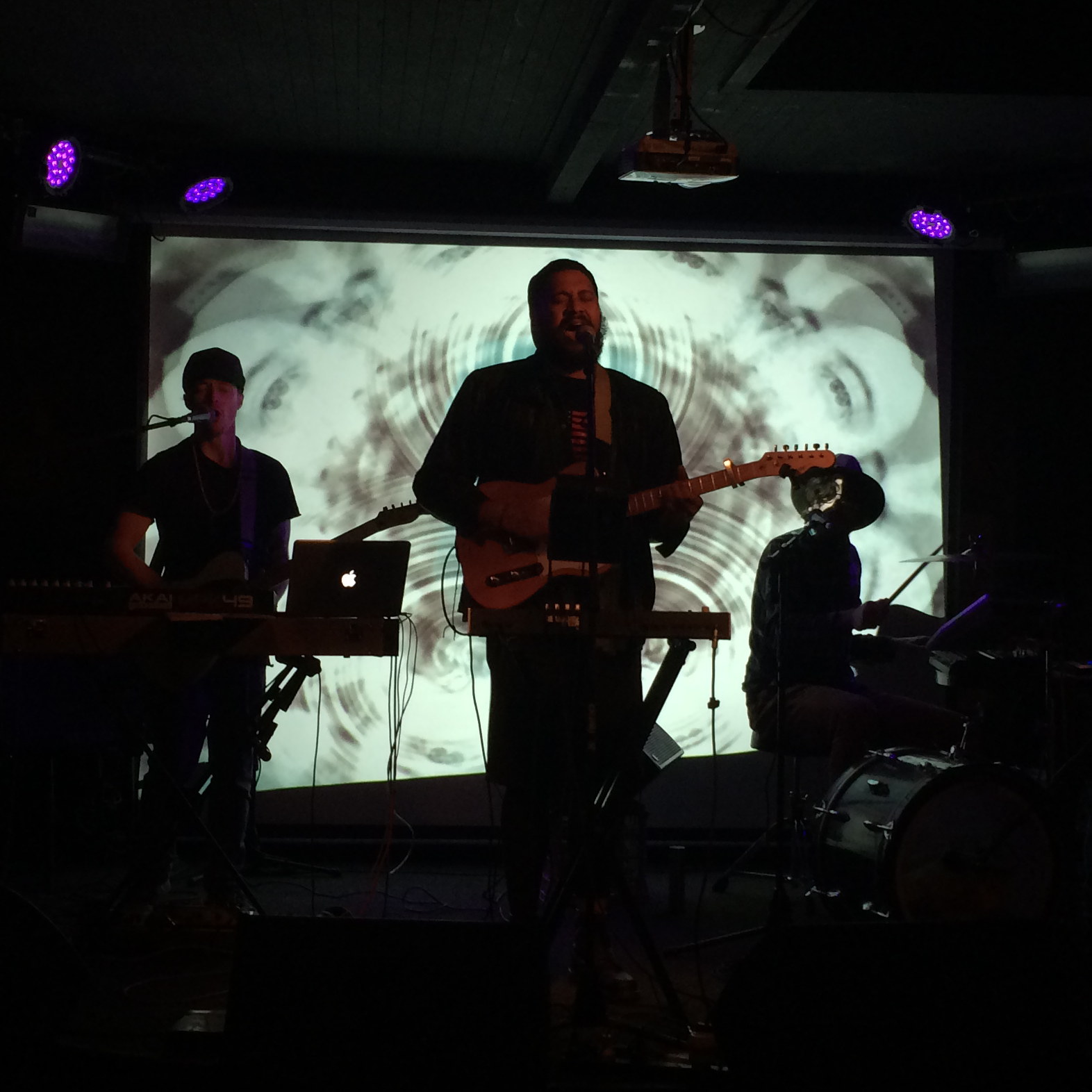 Noahslee lowleaf tour 2014