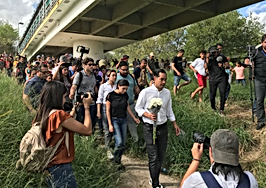 Julian Castro smuggler.PNG