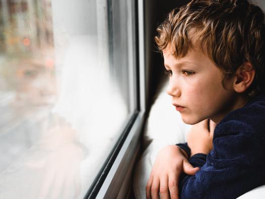Jak Twoje dziecko przeżywa emocjonalnie pandemię?