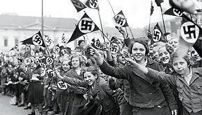 austria-waving-nazi-flag.jpg