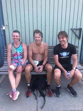 Suvi, Vesa ja Titaani maalissa. Kangasala triathlon.