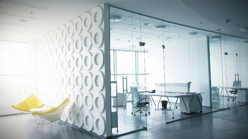 Diseño y reformas de oficinas modernas minimalistas