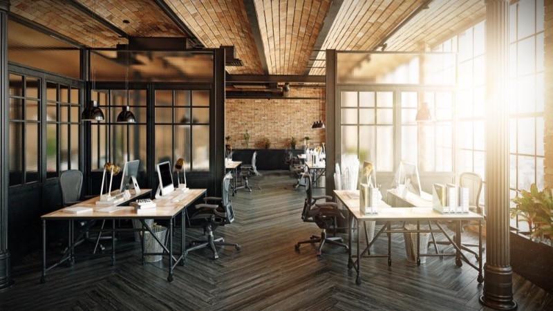 Reforma de oficinas con mamparas de acero lacado