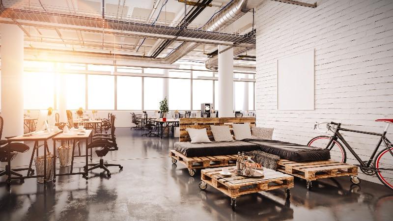 Reforma d oficinas de etilo industrial con espacios abiertos