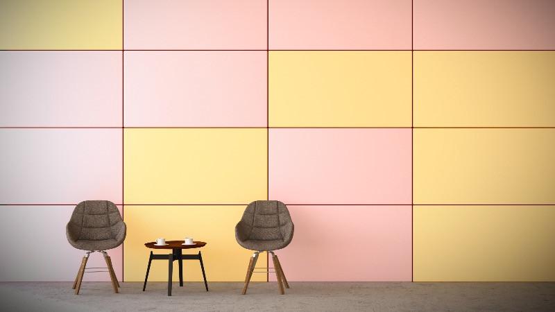Reforma y diseño de oficinas con colores atrevidos